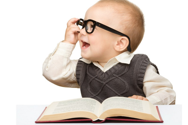 3d20ad9d4dd458fe0f7c8c83d27ed2bb65ef4b93_baby-wearing-glasses-and-reading-book